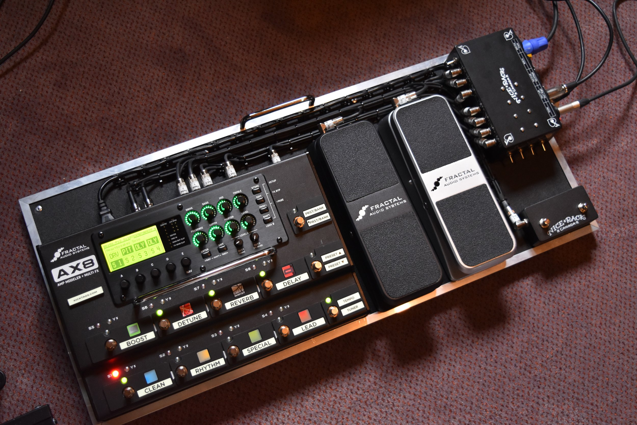 Mark Day Fractal Audio AX8 Pedalboard System 01.jpg