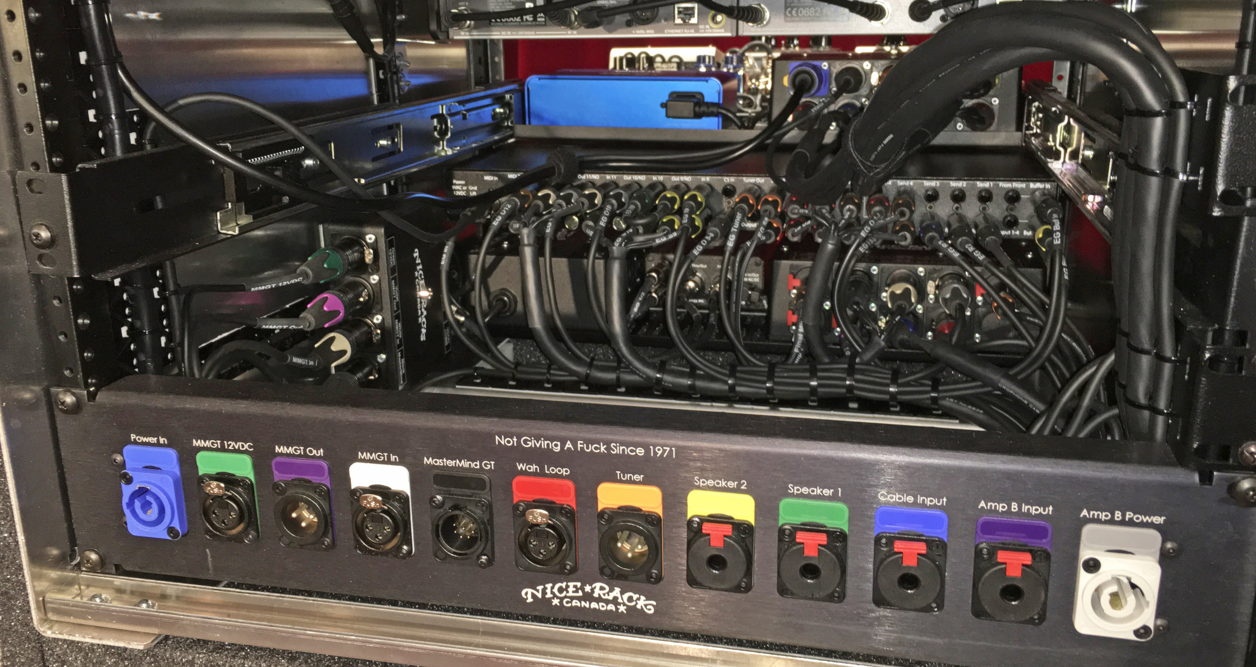 Tasty Guitar Rack System 05.jpg