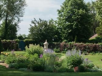 Grand-Lawn2-2.jpg