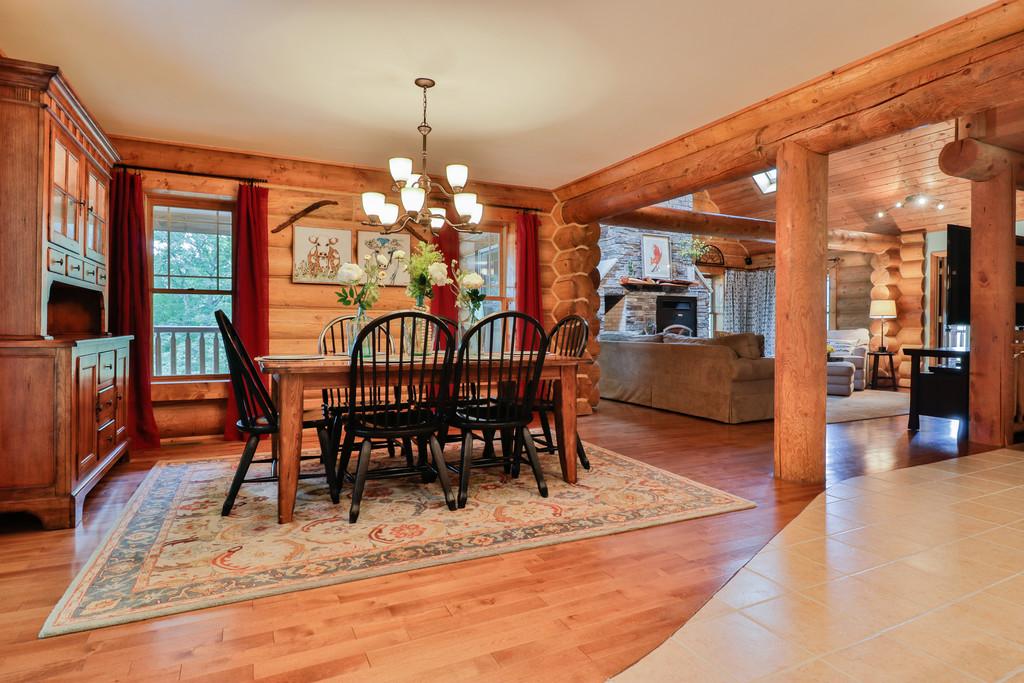 dining room:greatroom.jpg