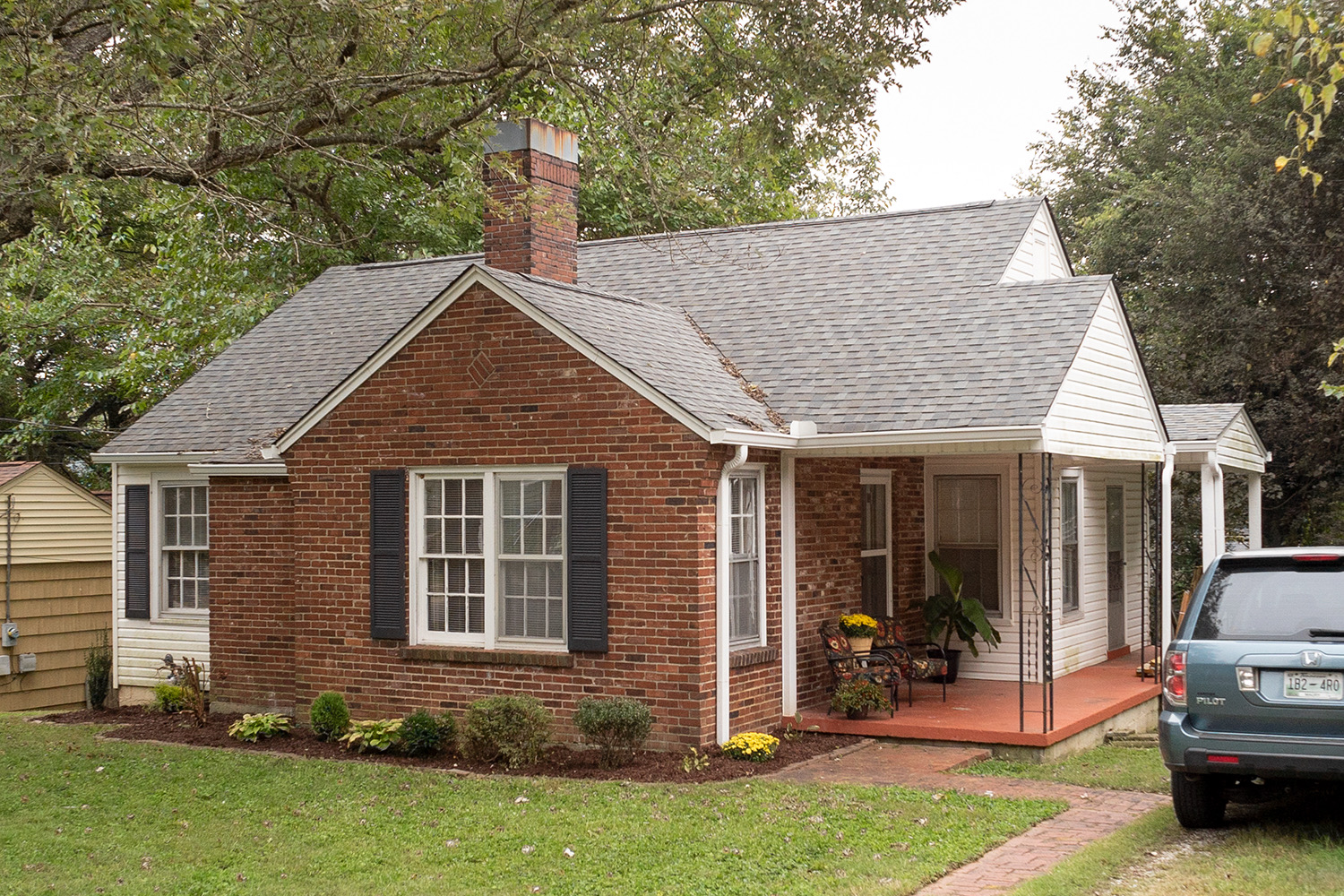 314 8th Ave, Columbia, TN SOLD - Quaint, well kept, updated home in much sought after Riverside.