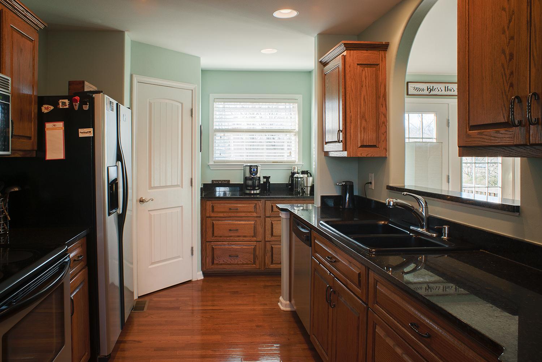 kitchen:wetbar.jpg