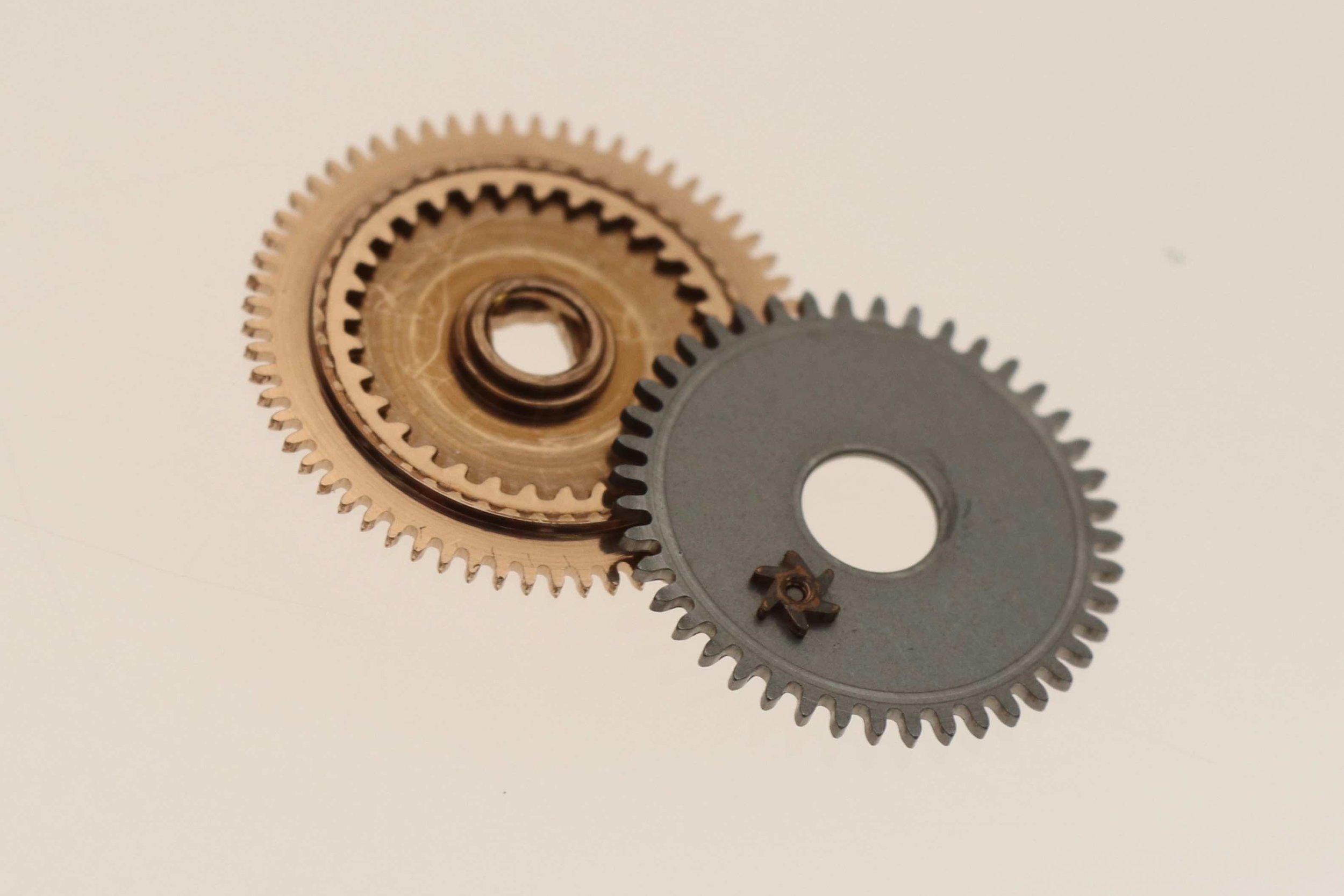 Steel upper ratchet wheel reversed