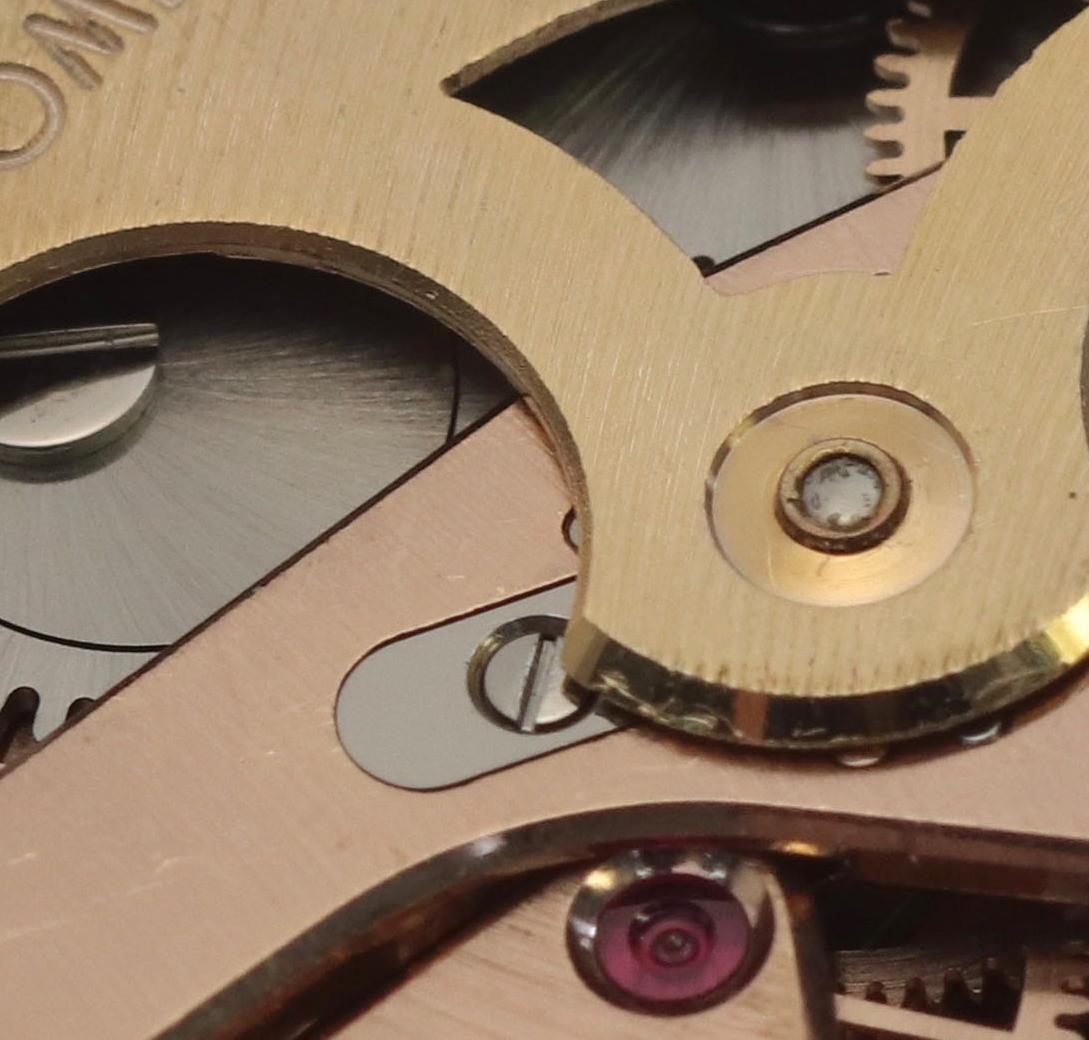 The steel rotor locking plate
