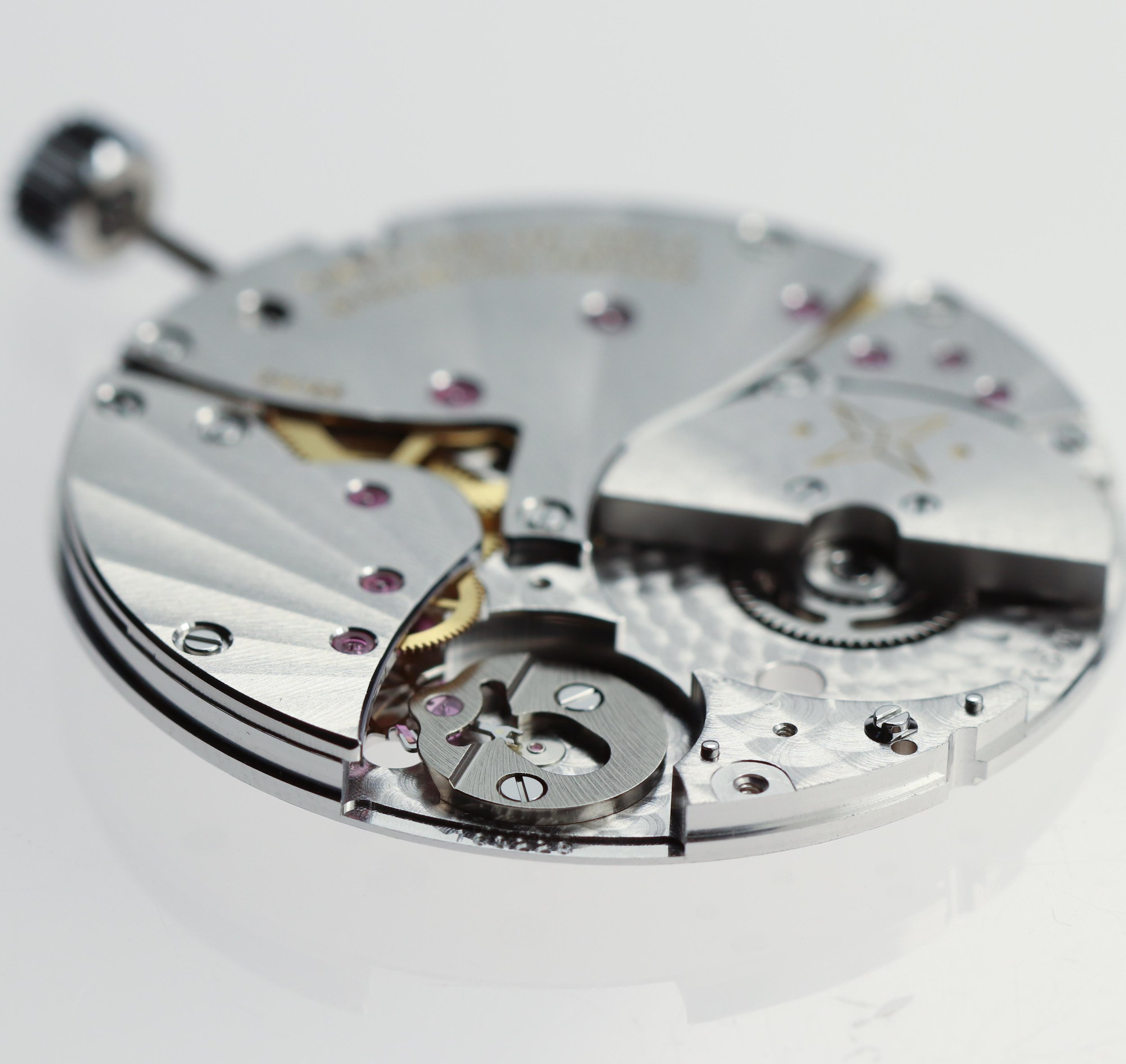 Profile view showing the volume of the micro-rotor compared to the movement