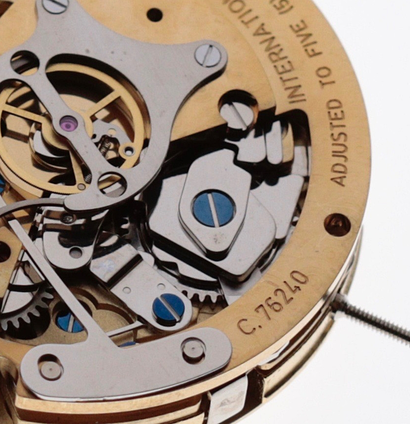 The cam system located in the centre of the image is part of the original Valjoux 7750 calibre