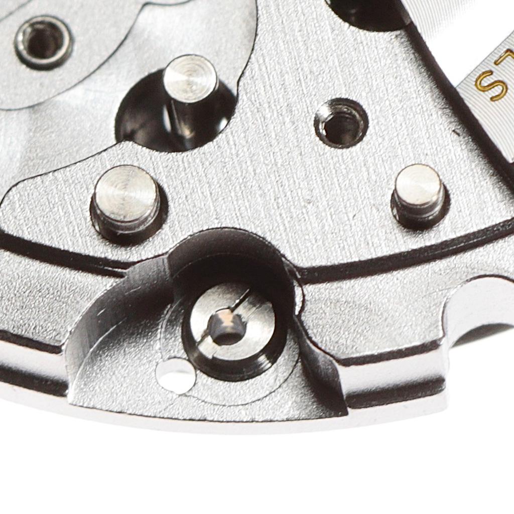 The dial blocking screw
