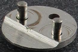 Lower automatic pivot plate