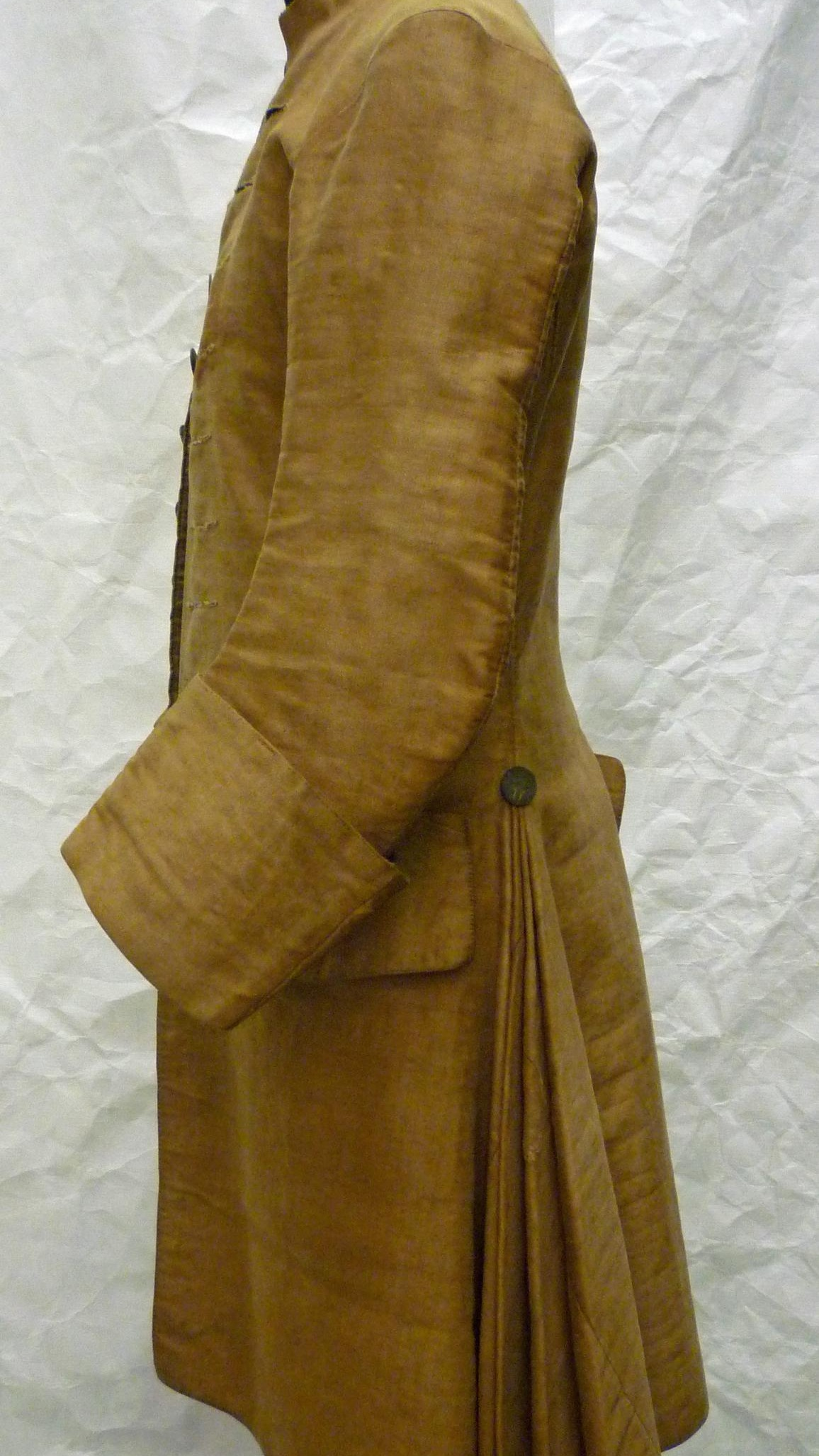 1750-1759 (made) Linen, cotton, pewter; hand-woven fustian, hand-sewn, engine-turned © Victoria and Albert Museum, London