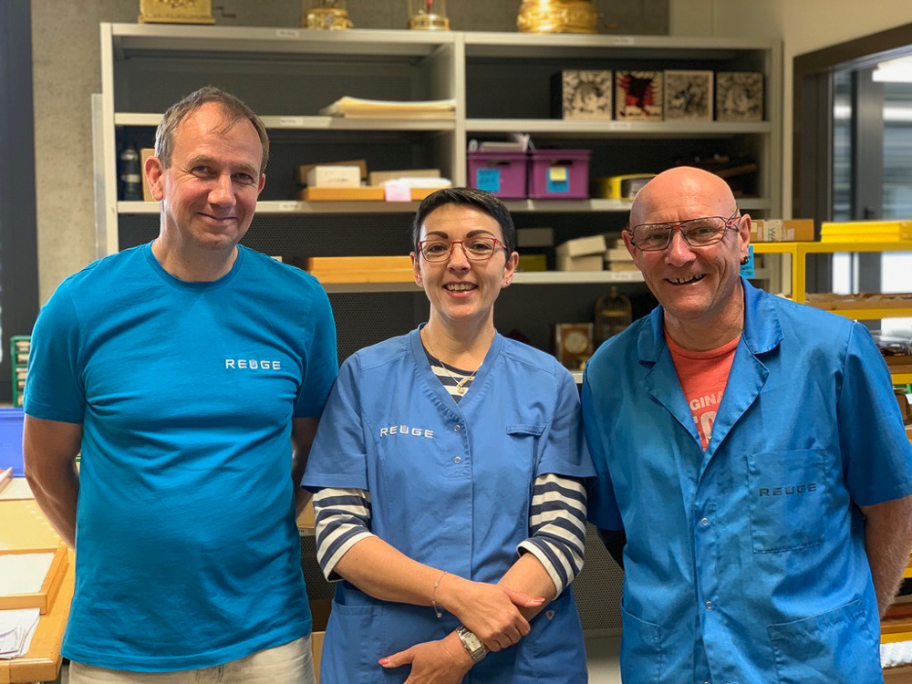 (2019) Bertrand, Sylvie and Rémy, between the three people they share 85 years of experience assembling music boxes at Reuge.
