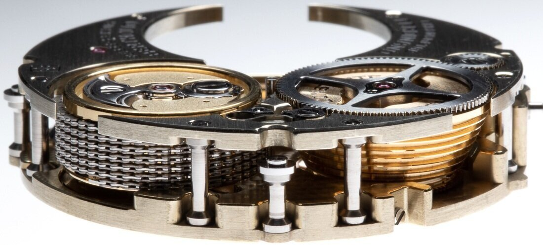 To the left is the barrel assembly, to the right the fusee.
