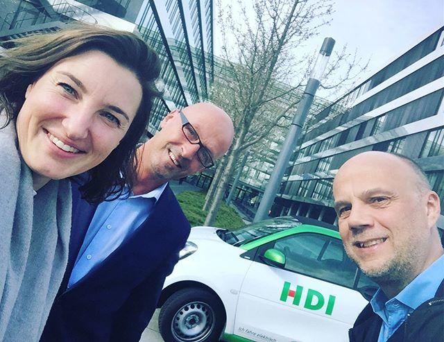 Heute zwei Stunden mit den Kolleg*innen von @hdi ausgetauscht! Wir freuen uns sehr über das Interesse und Engagement☺️👍 #digitaleshannover #mitgliedwerden #weitermachen #allezusammen