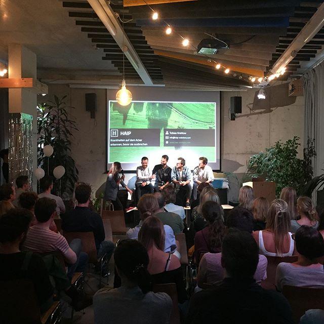Heute Abend im @hafven : smarte Lösungen von den Startups aus dem 3. Batch des #smartcityhubs! Wir sind gespannt und wünschen allen ganz viel Erfolg!! #digitaleshannover #support #kooperation