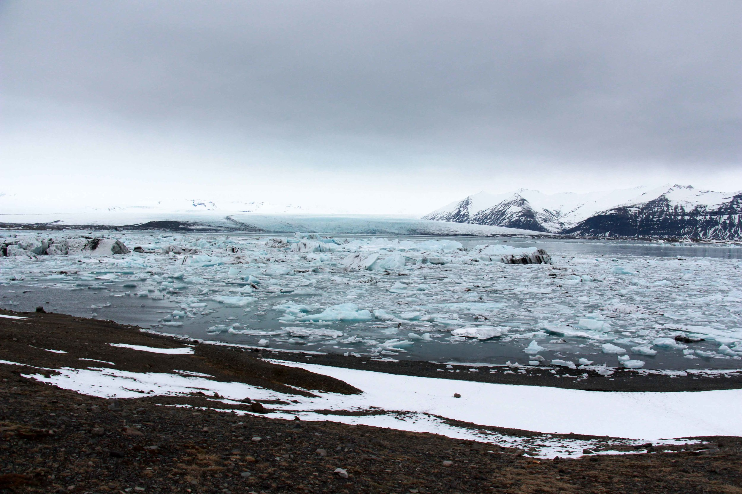 You can walk to the start of the Jökulsárlón glacial lagoon from the roadside