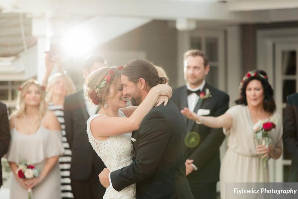Figlewicz Photography figlewiczphotography.com | Dress: Mon Amie Bridal