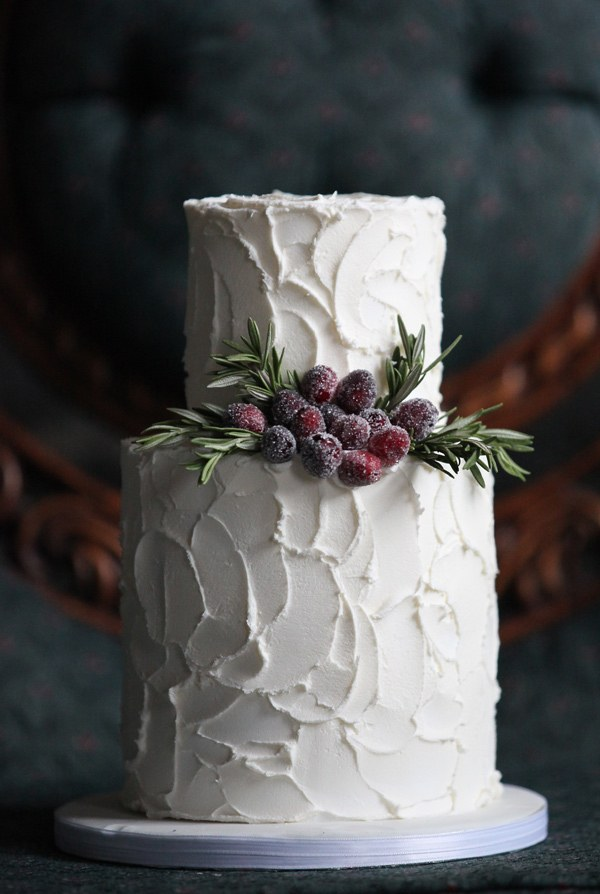 winter-wedding-cakes-with-frosty-details-4.jpg