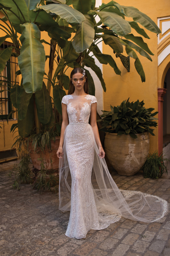 World-Exclusive-The-Sparkling-Berta-Fall-2018-Seville-Collection-42-553x832.jpg