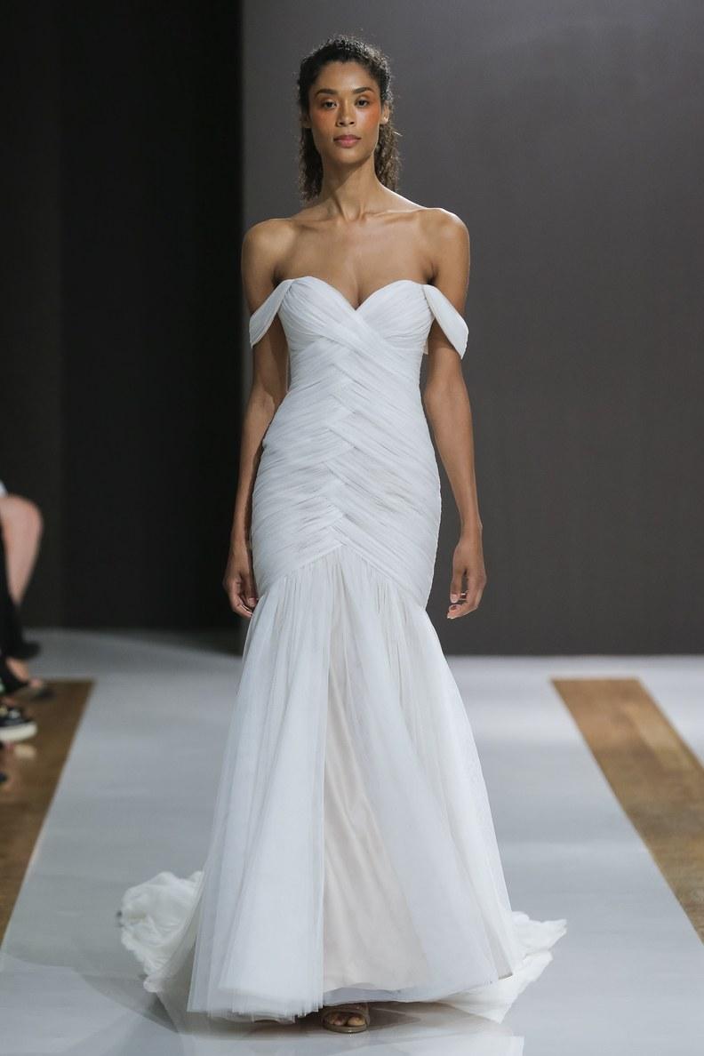 mark-zuzino-wedding-dresses-fall-2018-015.jpg