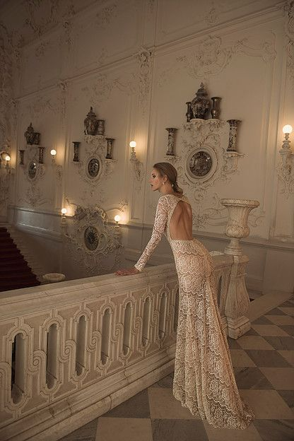 9ec75b7aed5d36872f0ba65ea8b4807c--bridal-gowns-wedding-gowns.jpg