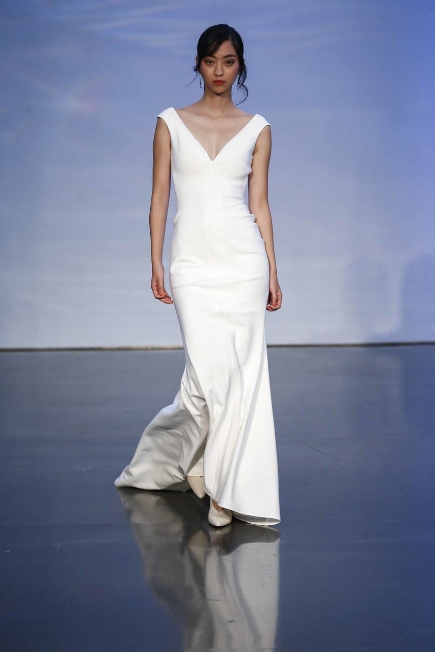 justin-alexander-wedding-dresses-fall-2019-003.jpg