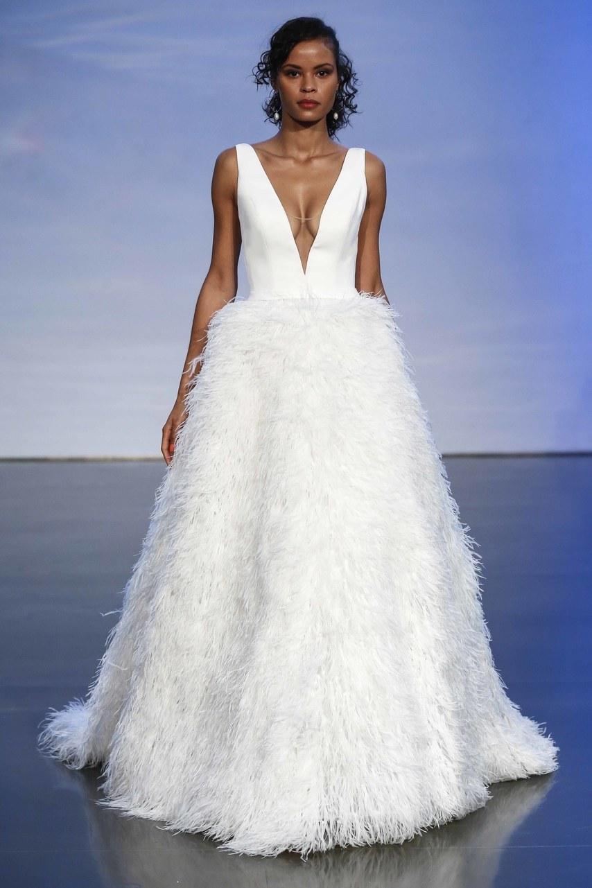 justin-alexander-wedding-dresses-fall-2019-007.jpg