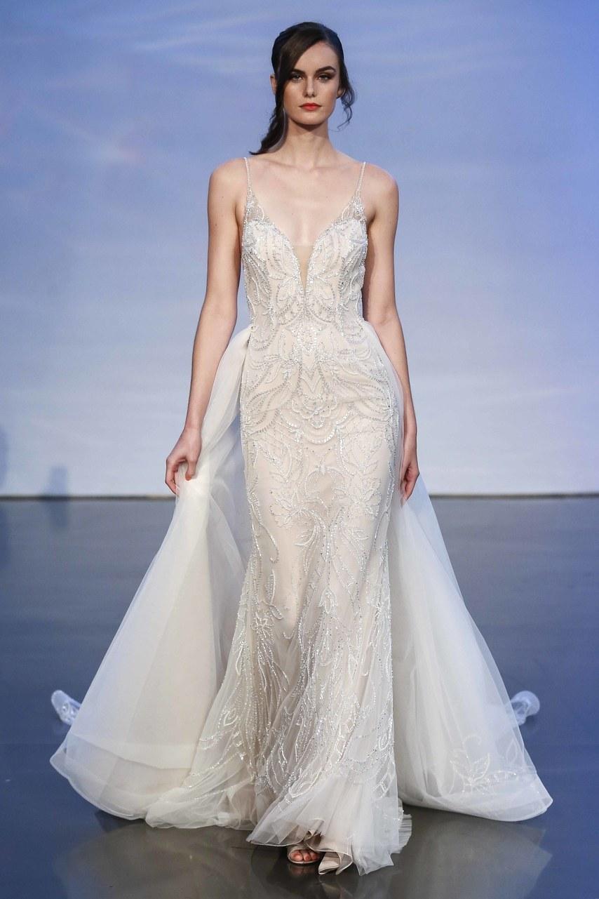 justin-alexander-wedding-dresses-fall-2019-012.jpg