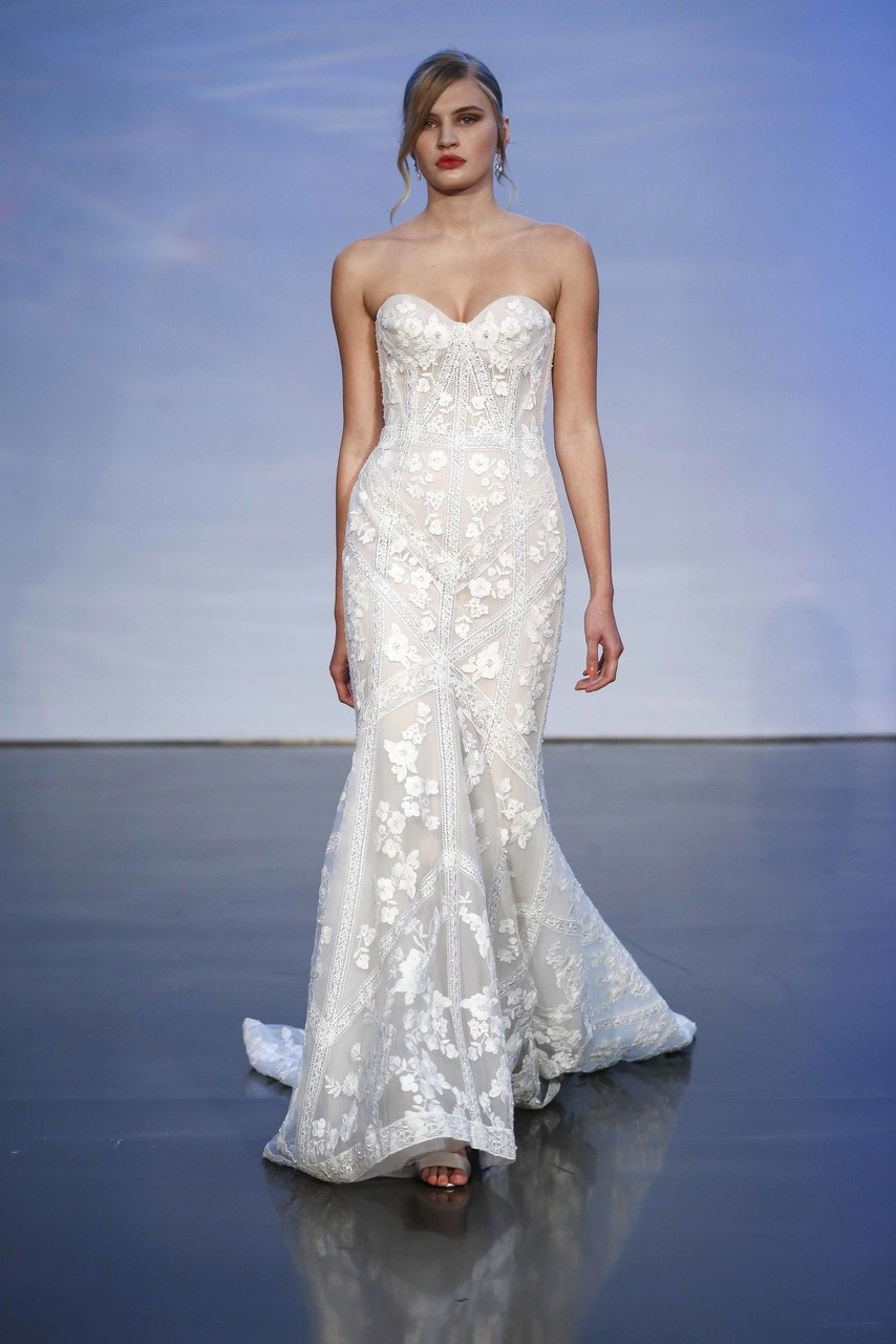 justin-alexander-wedding-dresses-fall-2019-017.jpg