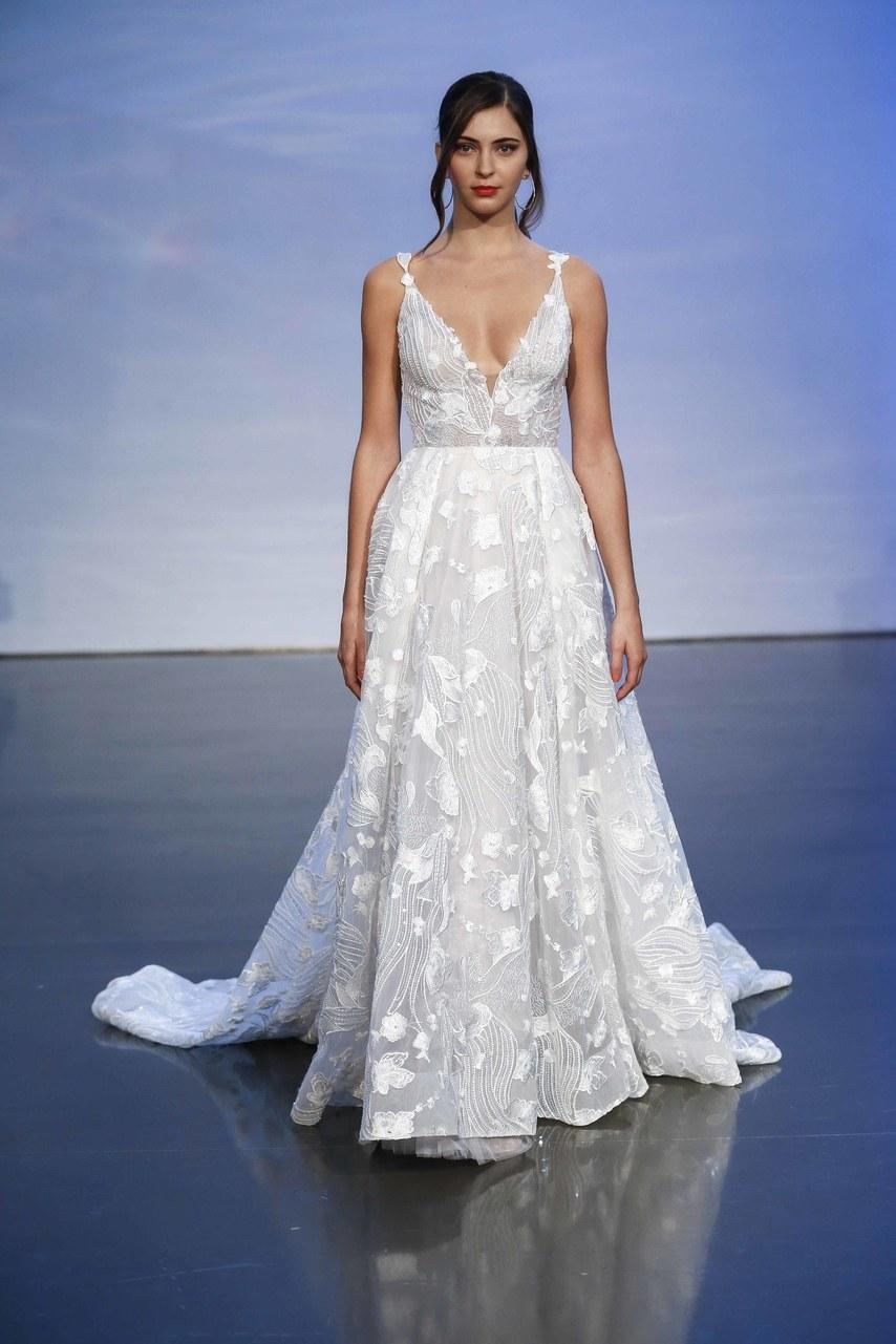 justin-alexander-wedding-dresses-fall-2019-018.jpg