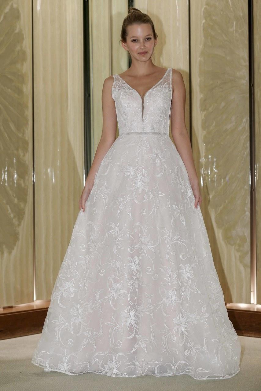 randy-fenoli-wedding-dresses-fall-2019-007.jpg