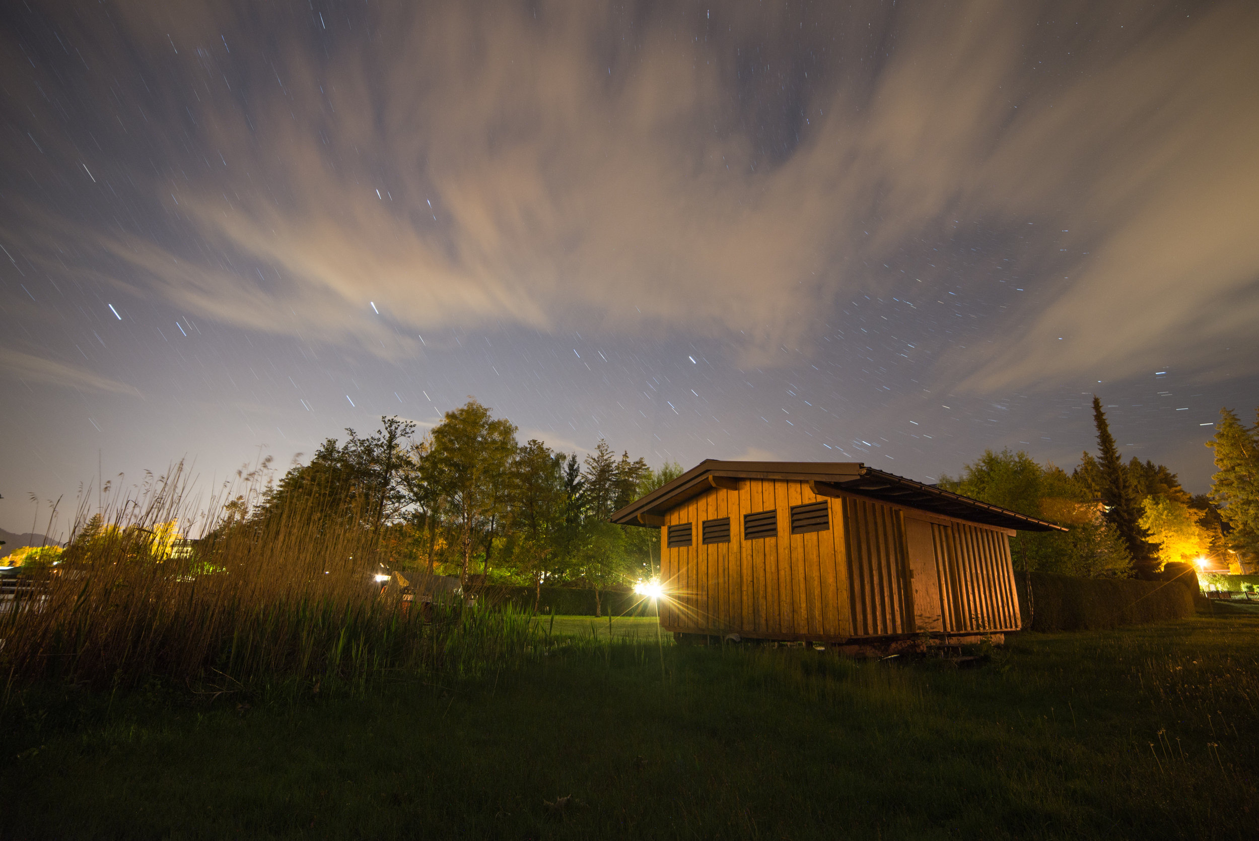 Here's a 5min exposure of some stars over a barn.