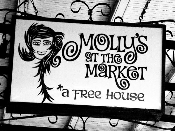 Molly's At The Market