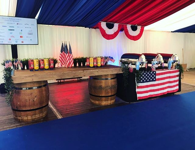 Happy 4th of July 🇺🇸🇺🇸 #teamfitzers served all American classics at the U.S Ambassadors Residence in the Phoenix Park yesterday! #food #hotdogs #burgers #yum
