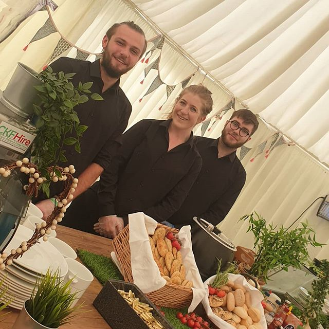 Festival life 💙 Team @fitzers_catering , @longitudefest 2019 your service 🤩 #teamfitzers #staff  #artist #crew #longitude #festival #food #beverage #catering #onsite #outandabout #summer #longies #day3 #cheflife
