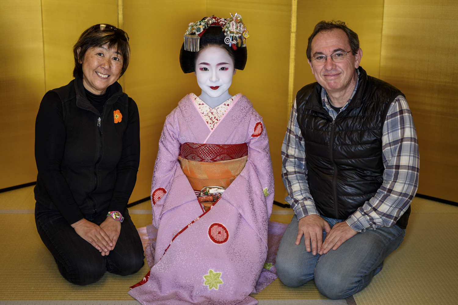 Patrick Hochner with his wife Akiko and a Maiko in Kyoto