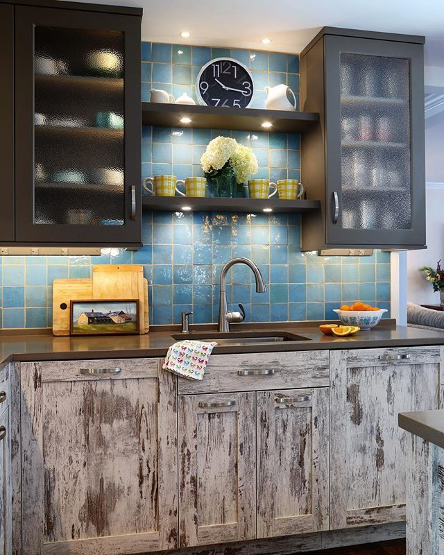 A driftwood inspired kitchen to match the Long Island Sound coastline ✨