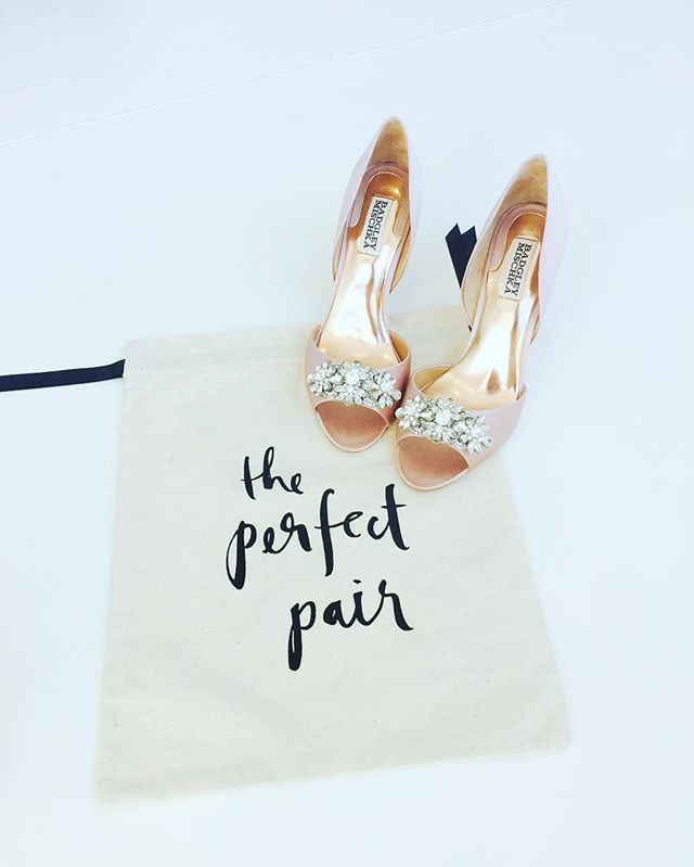 Would it be too much to wear my blush pink wedding shoes for Valentine's day? 🤔 📷 @lexiphotography 👜 @nporpora 💕 #whencaniwearthem #valentinesinspo #katespade #blush #perfectpair #wedontgoout 🤣