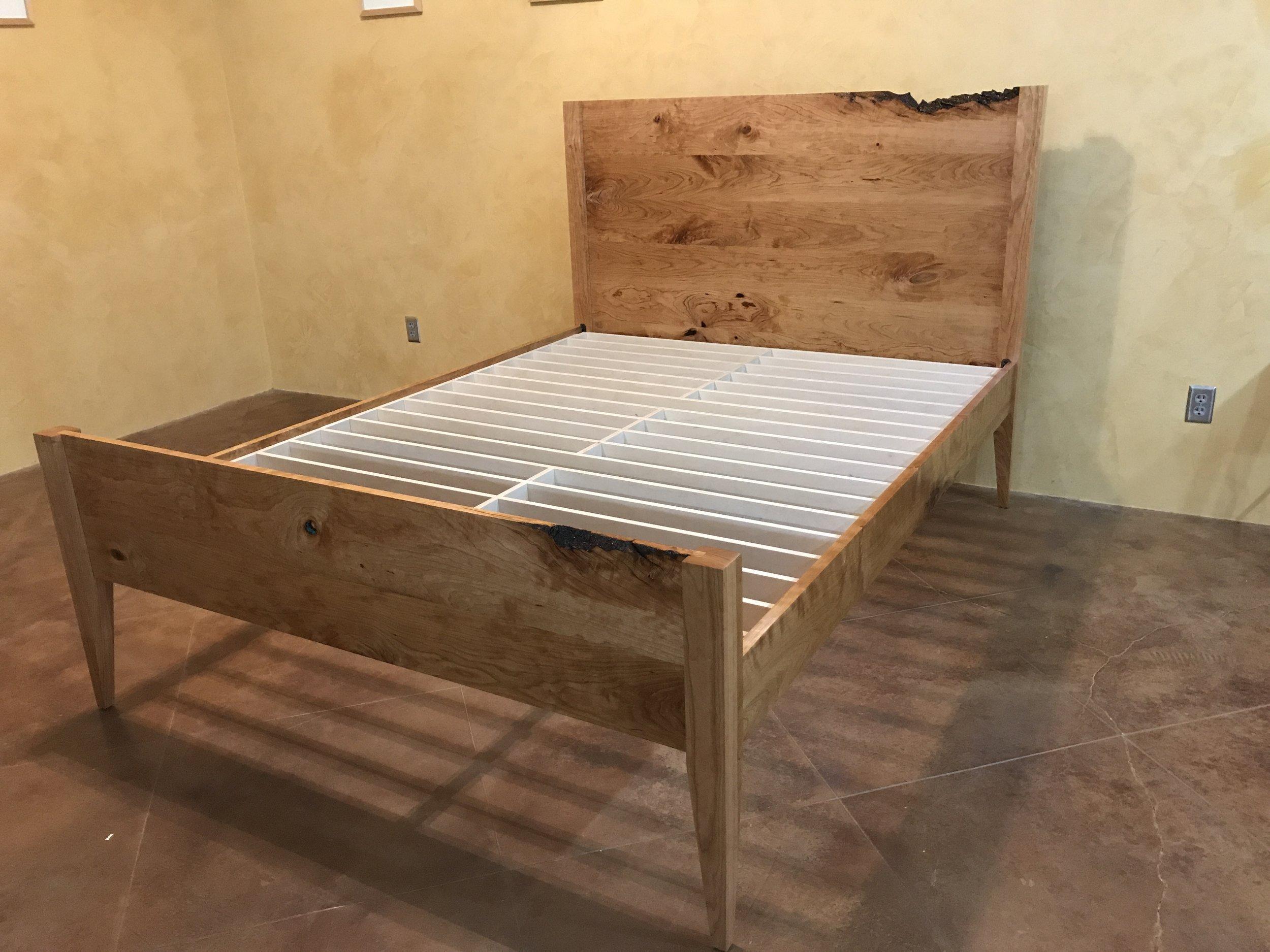 bed w raw edge 7.JPG