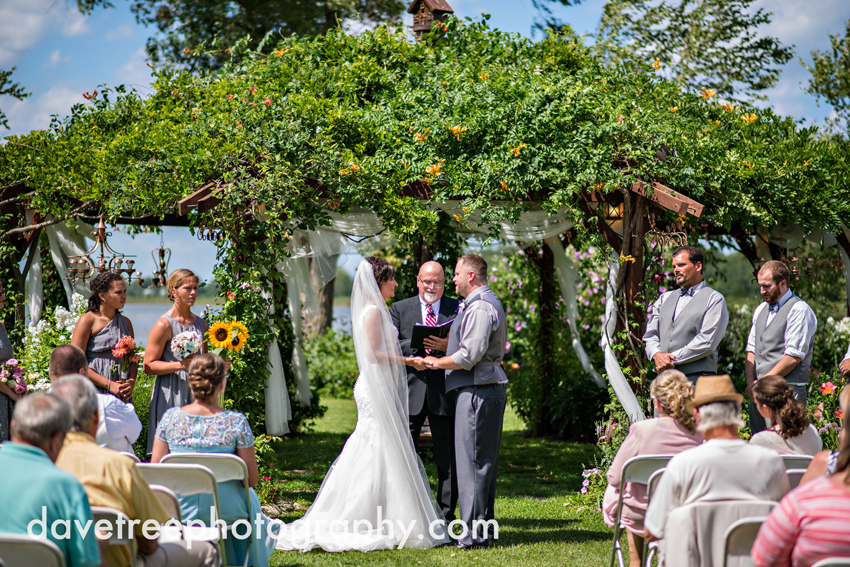 island_garden_wedding_coldwater_wedding_photographer_island_weddings_34