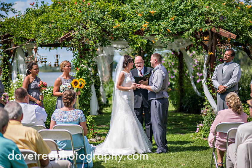 island_garden_wedding_coldwater_wedding_photographer_island_weddings_35