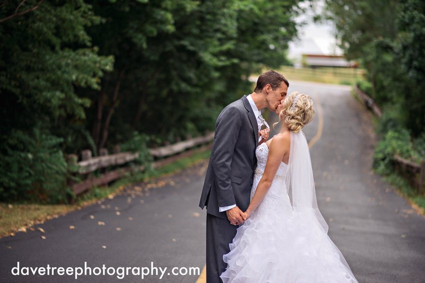 grand_rapids_wedding_photographer_pinnacle_center_wedding_01