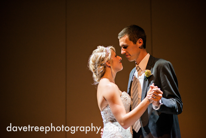 grand_rapids_wedding_photographer_pinnacle_center_wedding_075