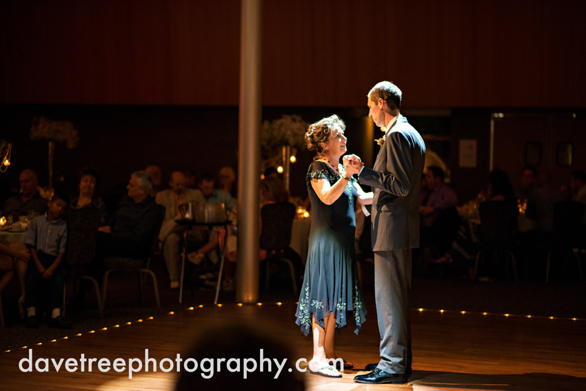 grand_rapids_wedding_photographer_pinnacle_center_wedding_082