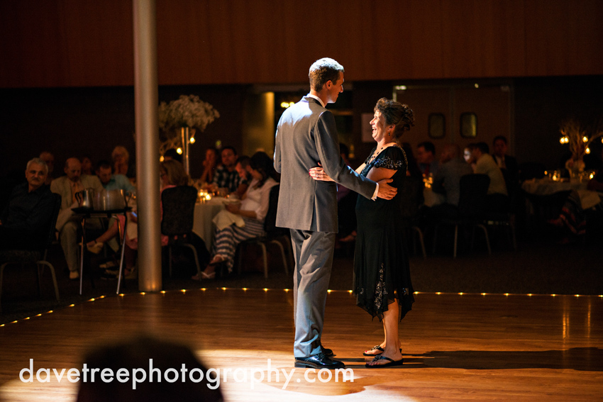 grand_rapids_wedding_photographer_pinnacle_center_wedding_083