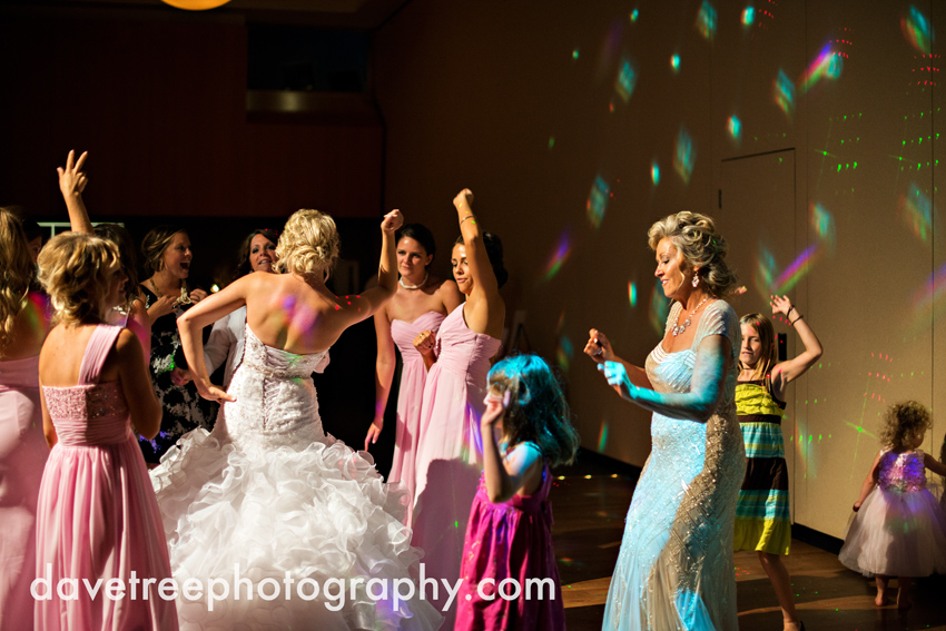 grand_rapids_wedding_photographer_pinnacle_center_wedding_084