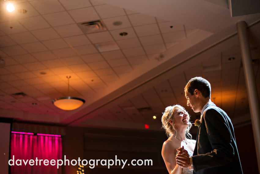 grand_rapids_wedding_photographer_pinnacle_center_wedding_099