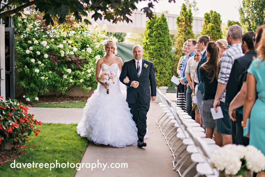 grand_rapids_wedding_photographer_pinnacle_center_wedding_26