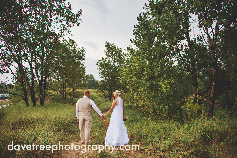 lake_michigan_wedding_photographer_st_joseph_11.jpg
