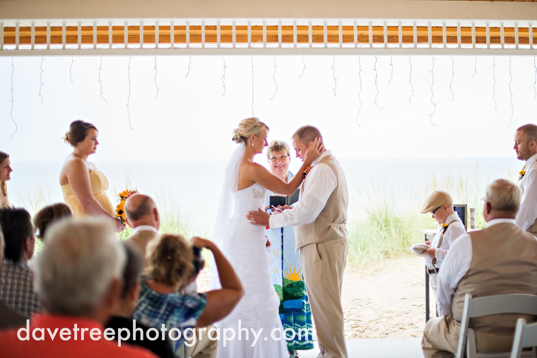 lake_michigan_wedding_photographer_st_joseph_15.jpg