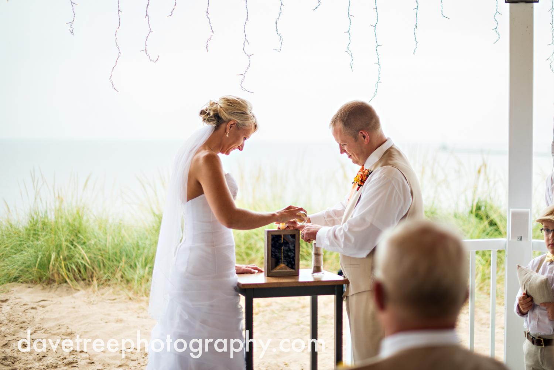 lake_michigan_wedding_photographer_st_joseph_16.jpg