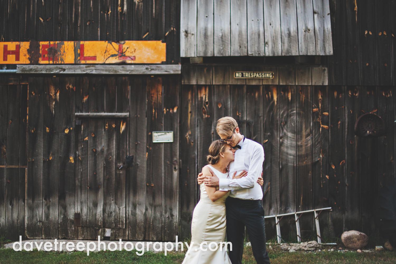 northern_michigan_wedding_photographer_grand_haven_wedding_photographer_37.jpg